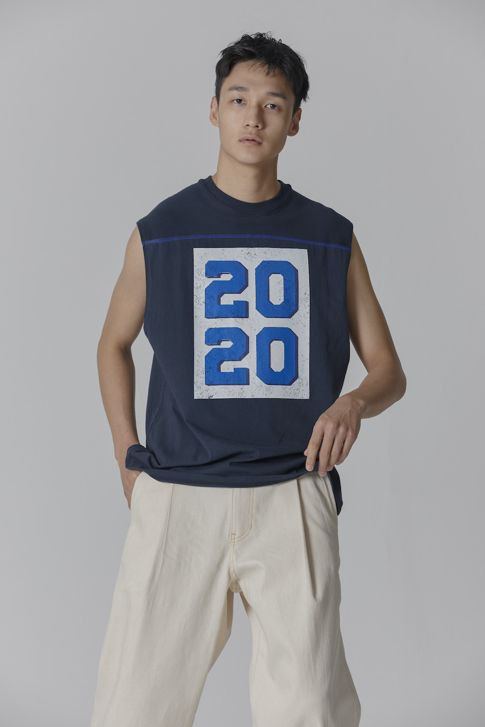 MADE IN SEOUL 2020 SLEEVELESS NAVY