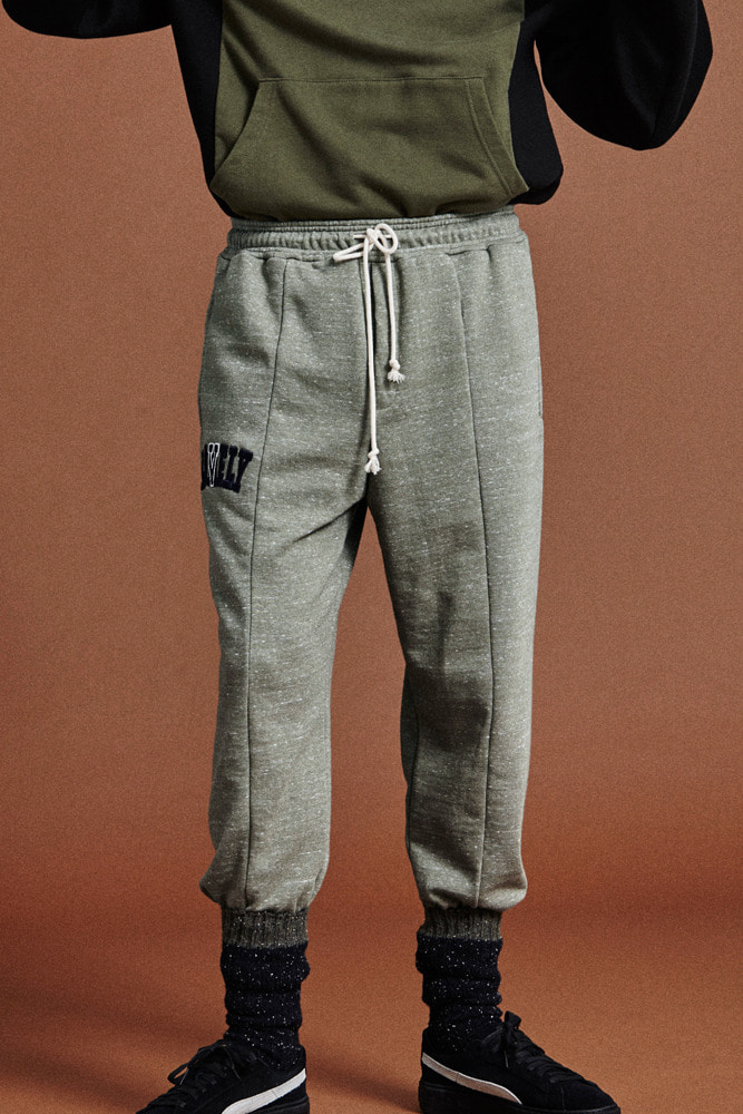 LONELY/LOVELY LOGO SWEATPANTS OLIVE